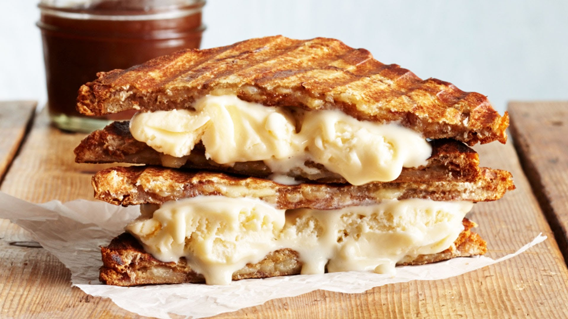 FOODporn.pl-How-to-Make-Delicious-Grilled-Cheese-Ice-Cream-Sandwiches-Wow-Cooking-Light.jpg