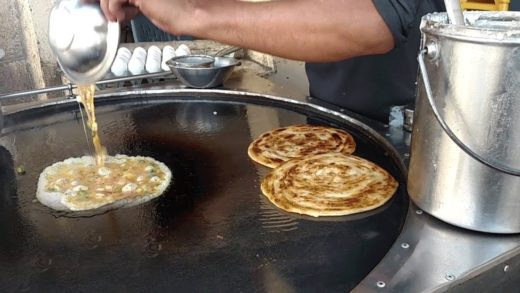 Anda Paratha | Pizza Egg Paratha at Street Food of Karachi Pakistan