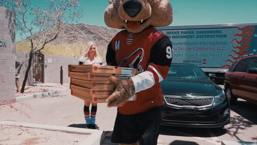 Coyotes, Papa John's Treat Community Heroes on National Pizza Day