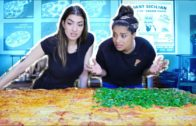 FOODporn.pl Eating The Worlds Largest Pizza CHALLENGE! feat. iiSuperWomanii