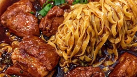 HOMEMADE: Beef Brisket Noodle will blow your mind away  Look at that noodle swirl!! Who's on diet?   Digital Marketing & Social Media Management    :   : Homemade  : TAG YOUR DIET FRIENDS                                ...