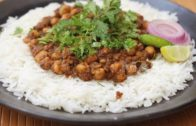 FOODporn.pl Punjabi Chole Chawal/ Old Delhi Style Chana/ Chole Recipe by Indian Youtuber Charu