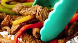 Steak Fajita Foil Packs! These STEAK FAJITA FOIL PACKS just might be the best 30 minute meal you'll ever try! RECIPE:  By                              …