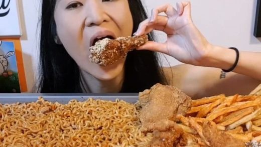 4x Spicy Mala Fire Noodles and Popeyes Cereal Chicken  Full-length video is on my YouTube channel: Peggie Neo (link in bio) Thanks for all your butt prayers  ______________                           ...
