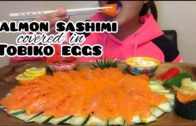 FOODporn.pl ASMR SALMON SASHIMI covered in TOBIKO EGGS (Satisfying Eating Sounds)