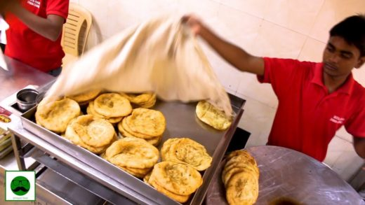 Afeem Wale Chole and Sitaram Chole Bhature in Delhi Indian Street food Tour