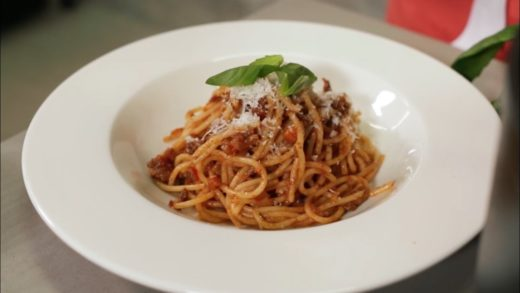 How to make the best spaghetti Bolognese - BBC Good Food