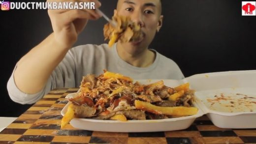 MUKBANG MASSIVE HSP(HALAL SNACK PACK) LAMB AND CHICKEN                              ...