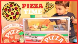 PIZZA PARTY FUN!!!! Melissa and Doug Top and Bake Wooden Pizza Counter Unboxing!!!