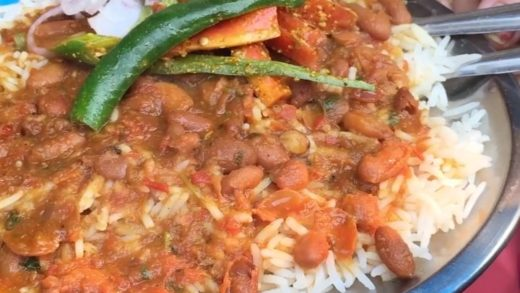 Winter is coming!! Chalo 'Rajma Chawal' Khane Chalte Hain Delish Scenes from Central Market, Lajpat Nagar, Delhi . Tag all your Foodie Friends . . Follow   Follow  Follow  . .                            ...