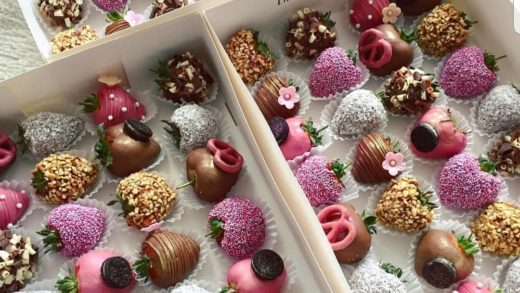 YES OR NO?? chocolate strawberries  by  I want strawberries  I love her work!!!                            ...