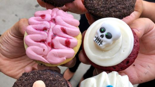 """"""" BOO, HAPPY HALLOWEEN"""" .  Cupcakes so good, it's worth losing a finger or two . Got this Halloween custom 6 pack with a Mummy, Skull, Brain, Rip Sign, & Fingers getting axed.  Go checkout  . . . . . . . . .         ..."""