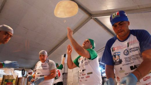 Argentinian chefs bake 11,000 pizzas in 12 hours to set new record