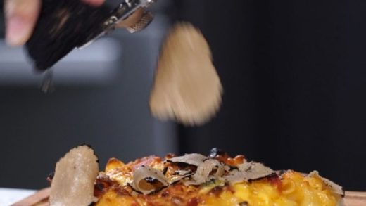 Bacon Mac & Cheese Truffle Pizza to start the weekend off  ...