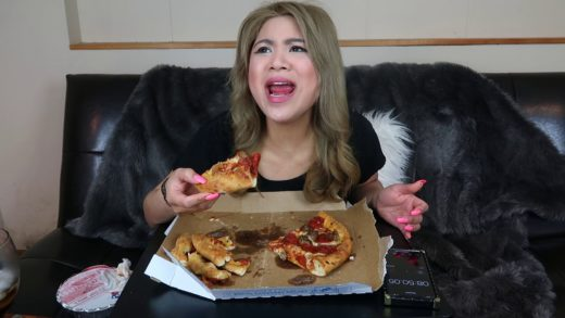 DOMINOS PIZZA (MUKBANG) in 10 MINUTES