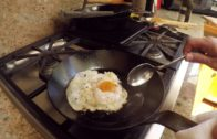 FOODporn.pl How to Fry an Egg (the extra-crispy method)