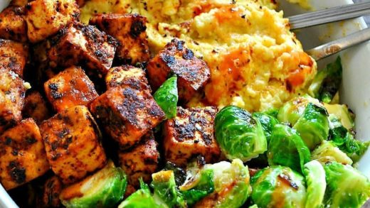 I am super craving this  Blackened Tofu with Cheesy Grits! It is the ultimate comfort food! So easy and incredibly delicious! Link to recipe in profile   ...