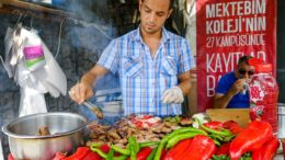 Istanbul Street Food – DELICIOUS Turkish Kofte and Breakfast on Turkish Airlines!
