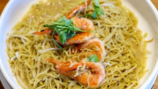 Lunch, braised noodles with prawn              ...