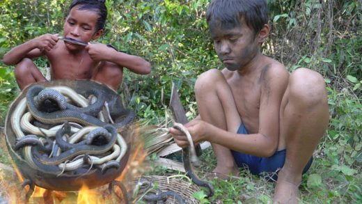 Primitive technology - Yummy Cooking snakes soup in forest - Eating delicious