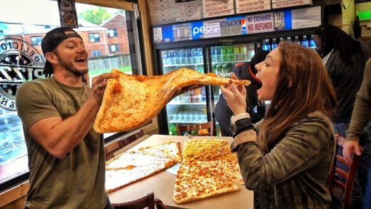 The World's Largest Pizza!!!