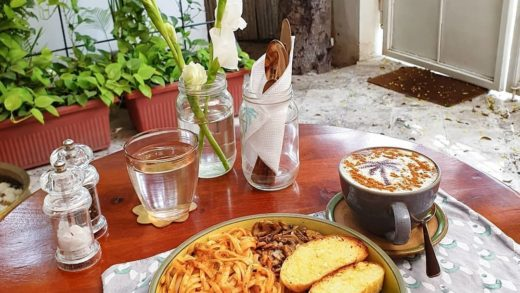 This one pot pasta and such vibrant corners are leisure goals done right   Location: Cafe Kothi, Civil Lines  By: ...