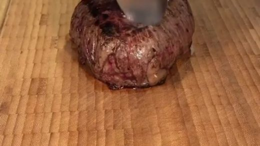 Who needs a sharp knife when you have a steak so tender you can slice it with spoons?  Video courtesy of  Found via  . . . . .                             ...
