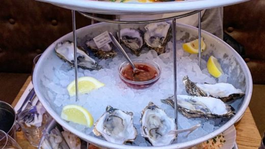 Who would you share this with?? TAG your friends!  Location: The Seafood Bar, Van Baerlestraat  By: ...