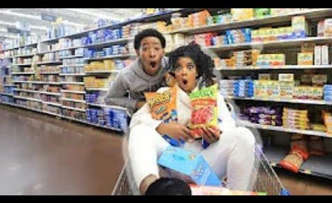 CRAZY GROCERY SHOPPING WITH DK4L |  VLOGMAS DAY 6 DK4L REACTION