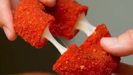 Flaming hot onion rings!! Follow  —----------------------- - -                      --------vc:...