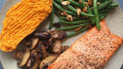 Good evening. This is definitely a very busy time of year for sure so a comforting a nourishing dinner is a must. Baked wild caught salmon from  seasoned with olive oil, salt and pepper along with sautéed mushrooms, garlic green beans with toasted almonds ...