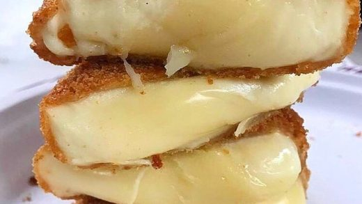Just imagine having bite of that fried Mozz!!! - :  Follow  for more delicious videos! . . .                              ...