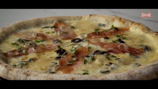 FOODporn.pl Sourdough pizzas at the Pizza Bakery Bengaluru and one