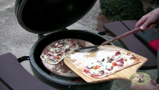 Pizza on the BGE