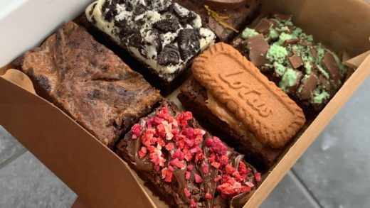 This Months Mixed box will include the following Flavours; Salted Caramel  Nutella topped with Freeze dried Strawberry and Raspberry pieces Oreo Cookies and Cream Lotus Biscoff Chocolate Orange Mint Chocolate  . .  All orders come boxes as seen in the phot...