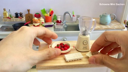 Re-Ment Mini Kitchen | Toy Miniatures | Mini Toy Food Cooking | Beef Burger & Strawberry Juice