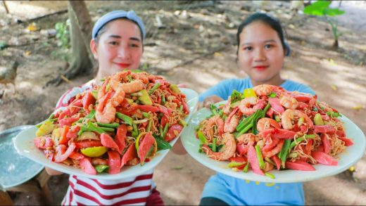 Amazing Spicy Shrimp and Meat Ball Salad - Spicy Salad Eating - Popular Food