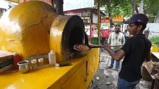Extreme Level Pizza Making of Udaipur | Unseen Pizza Vendor | Indian Street Food