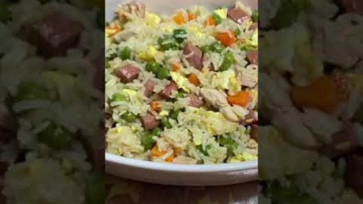 FRIED RICE WITH VEGETABLES CHICKEN STRIPS AND EGGS FOOD PORN #SHORTS