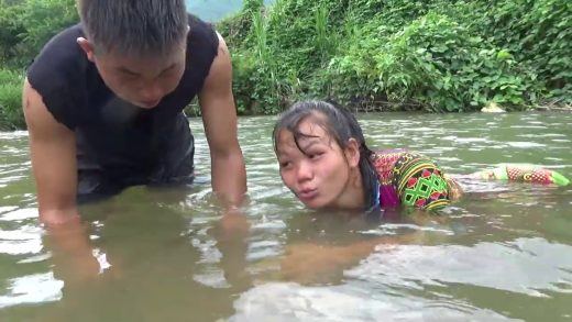 Primitive Life Catch Fish At River To Survival  - Skills Cooking Fish For Food