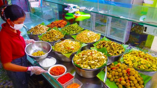 Sour and Spicy! Khmer Fruit Salad with 30 Kinds of Dipping Sauce & Mixed Salt! Cambodian Street Food