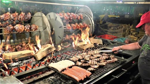 Street Food from Europe, India, Brazil. Pork Legs, Picanha, Grilled Meat, Pita Gyros and more.